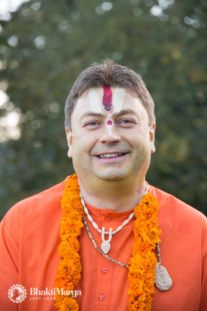 2016-10-03-swami-atmikaananda