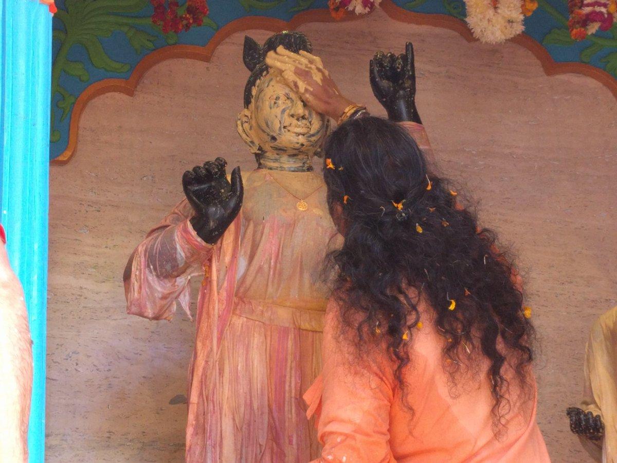2016-12-04-abishekam-giridhar2