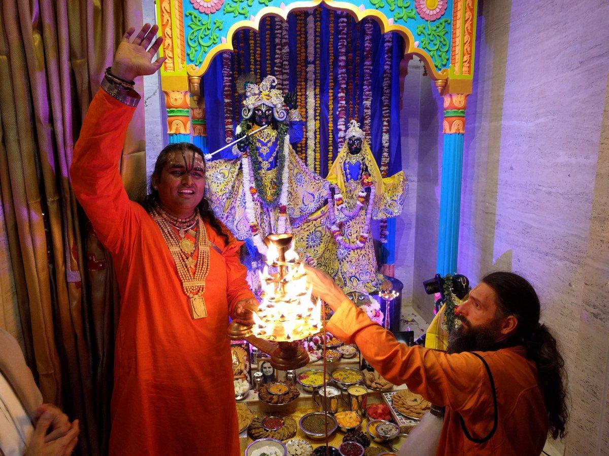 2016-12-04-abishekam-giridhar4