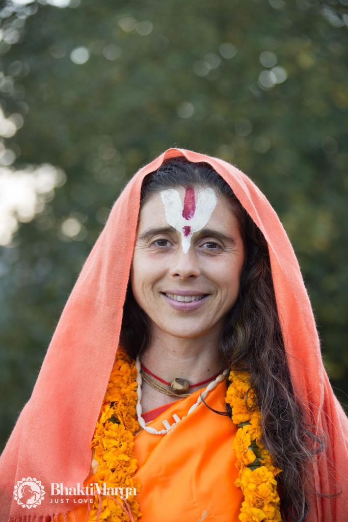 2016-10-03-swamini-vishwaaparajita-ma