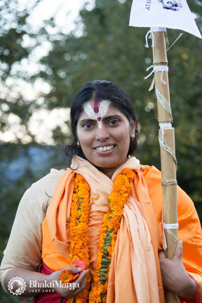 2016-10-03-swamini-vishwanimesika-ma