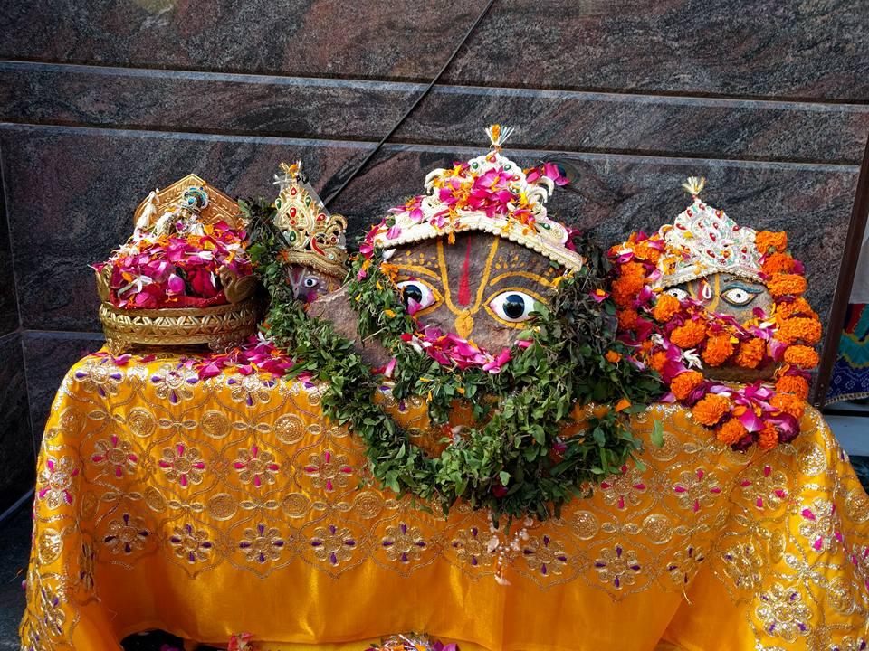 2016-12-02-shree-giridhar-dham-ashram8
