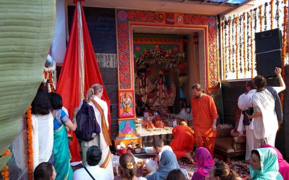 2016-12-04-abishekam-giridhar-yamuna