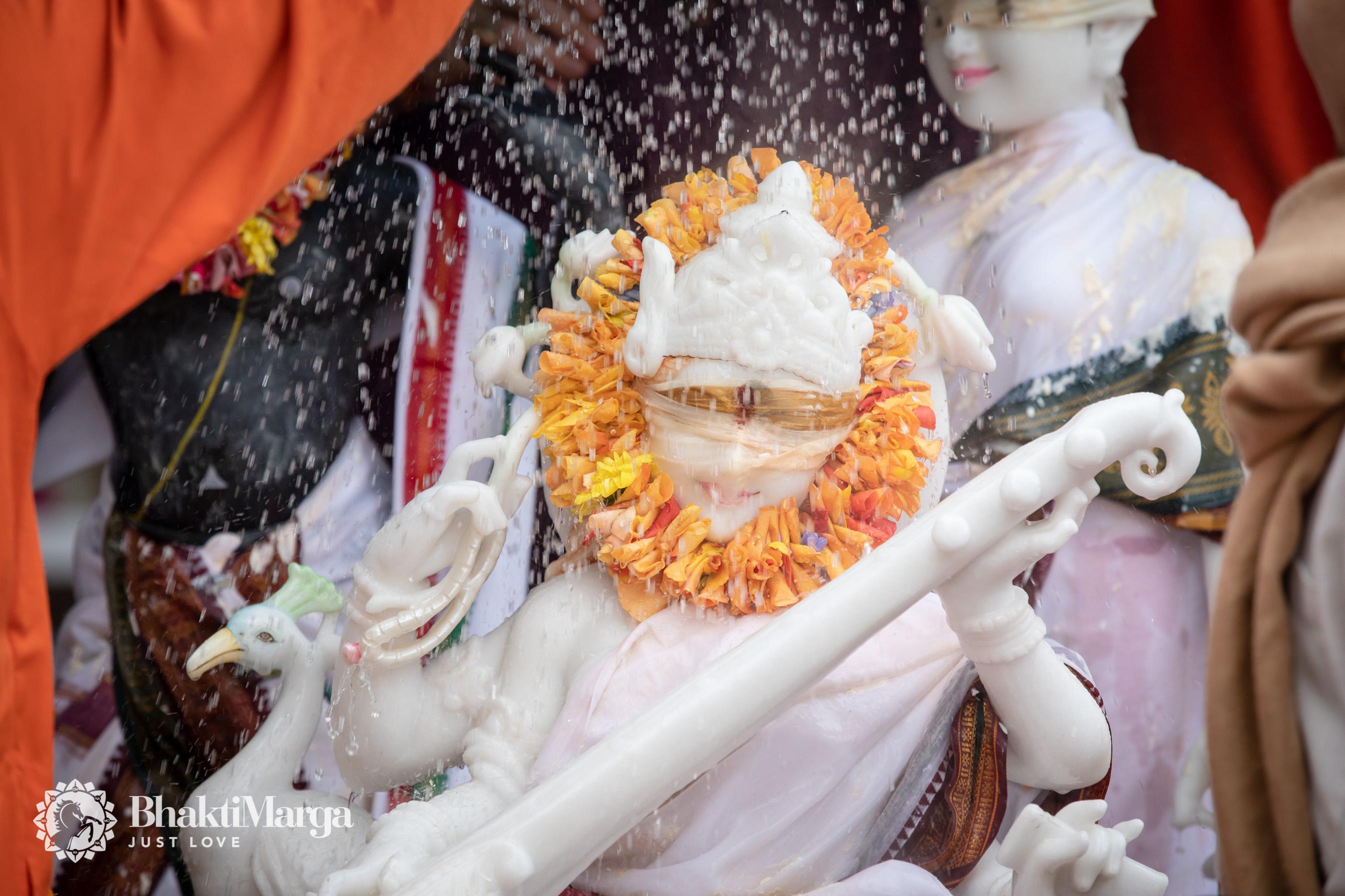 2020-02-20-Rama Saraswati installation SPN (13)