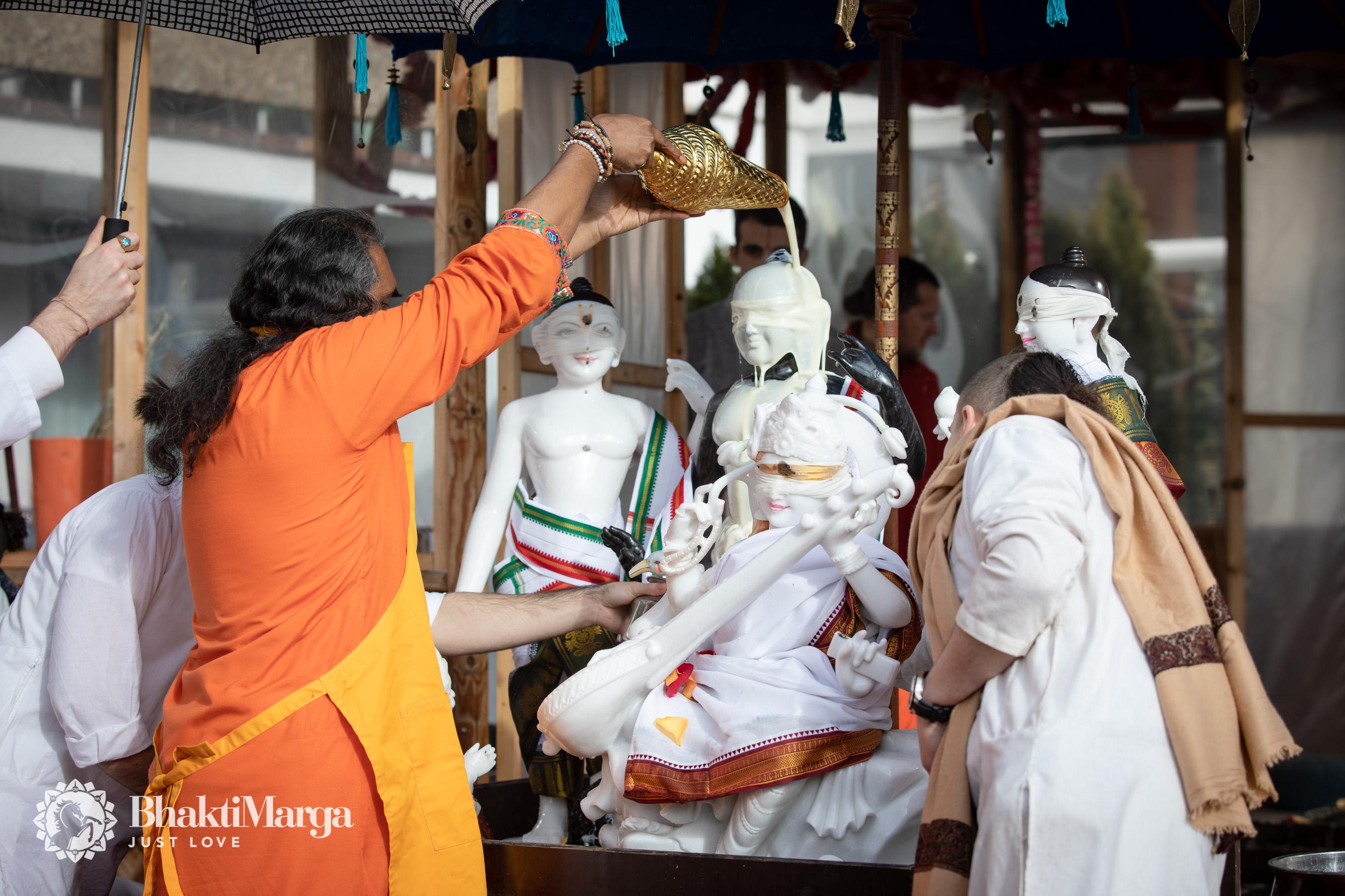 2020-02-20-Rama Saraswati installation SPN (18)