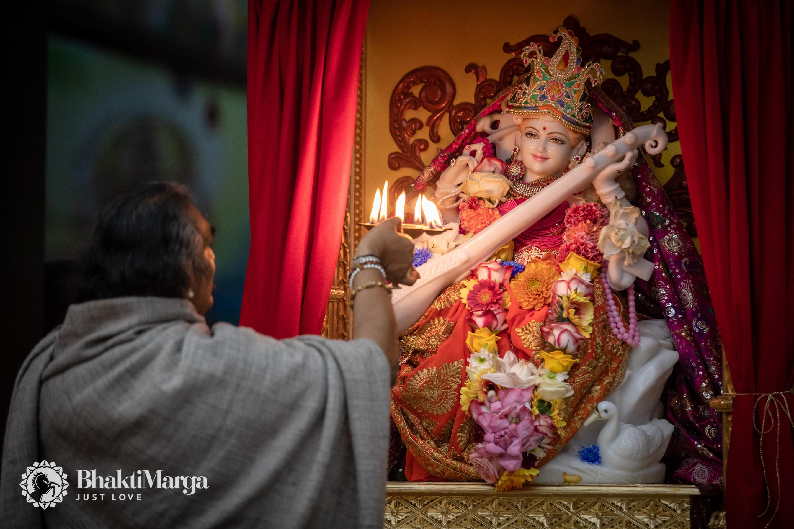 2020-02-20-Rama Saraswati installation SPN (21)